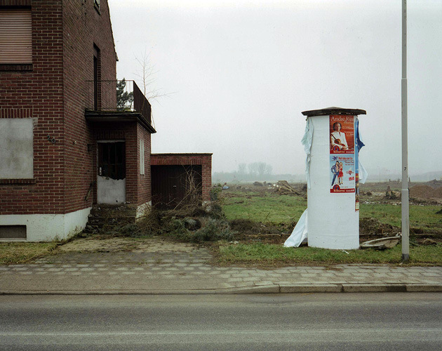 Plakatsäule, Otzenrath, Jan. 2006