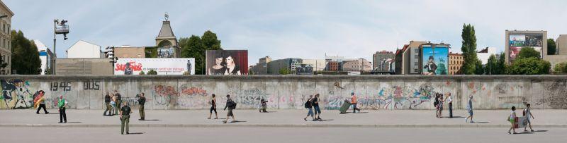 Mit Sicherheit keine Freiheit (Berlin - Sedimente einer Stadt)