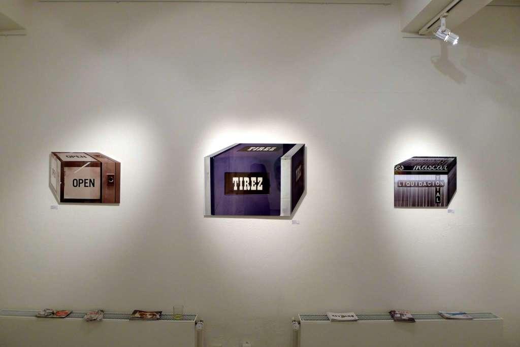 """Open"" (Galerie BlotaBlota, Mainz), 2012 | ""Tirez"" (Türgriff, Paris), 2012 | ""Liquidacion Total"" (Schaufenster, Menorca), 2012 (Ausstellungsansicht 30 Works Galerie, Köln)"