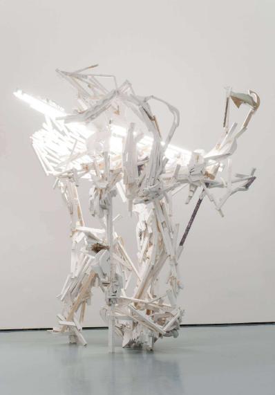 White Chamber Holz, Leuchtstoffröhren, Fotografien 380 x 320 x 220 cm (HxBxT) 2014 Installationsansicht Museum Kunstpalast, Düsseldorf