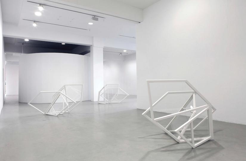 Oskolok, 2015, Holz, Glas, Lack, Fensterkitt (c) Ralf Werner