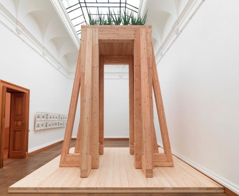 Claus Bury, Tempeltor, Holzkonstruktion, 2014, H 4,62 m, Foto: Wolfgang Günzel © Claus Bury, Frankfurt am Main