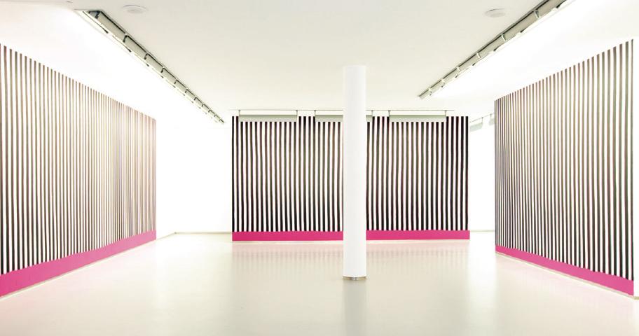 01 / Magenta Schwarz Weiss (Hommage an Kazuo Ohno),2012  Exhibition View Galerie Bernd Kugler