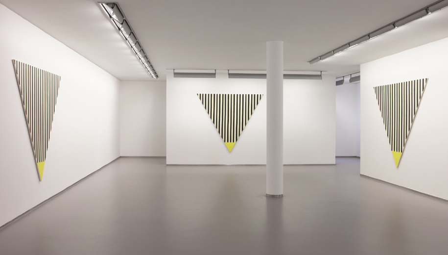 Gelb,2013  Exhibition View Galerie Bernd Kugler