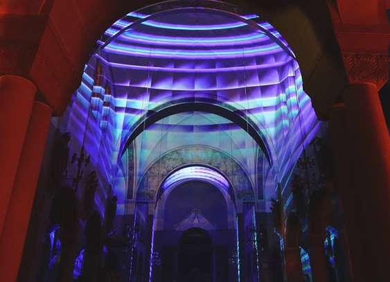 "TILMANN KRIEG: Installationsansicht ""METROPOLIS - Visuelle Symphonie"" St. Johannes Nepomuk Kirche, Kehl"