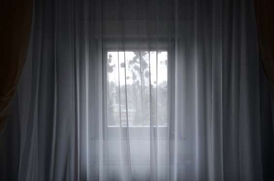 Roger Eberhard: Window #203, aus der Serie: Aussicht