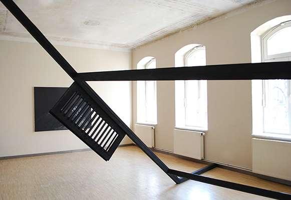 schwarz:Haus 2014, Installation view, Kunsthaus Galerie Erfurt, 5,50 x 3,20 x 2,70 m