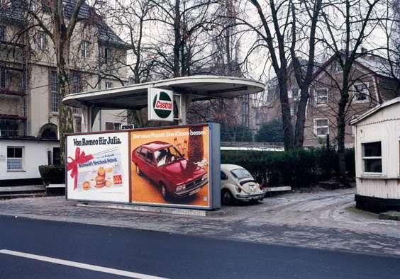 Max Regenberg: Tankstelle, 1980, Köln, DE © Max Regenberg, Courtesy Galerie Thomas Zander, 2016