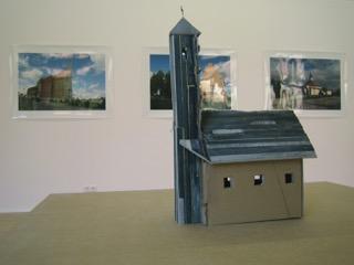 """Installationsansicht: Ivan Bazak, """"Petrus Neue Häuser"""", Kewenig Galerie zu Gast in der Berliner Repräsentanz des Kunsthauses Lempertz, 26.09 - 20.10.2006"""
