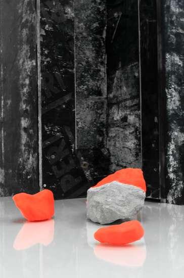 Installation Black / white (detail) Material natural stone, 3D-print, Image Katarína Gališinová, courtesy Frank Taal gallery