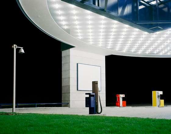 Julian Faulhaber Tankstelle (Gas Station), 2008 ©Julian Faulhaber/VG Bildkunst Bonn/RAO