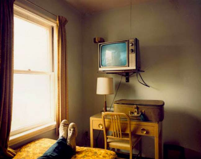 Stephen Shore, Room 125, West Bank Motel, Idaho Falls, Idaho, July 18, 1973 © Stephen Shore, Courtesy Edwynn Houk Gallery