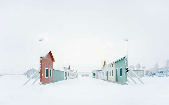 "Gregor Sailer: ""Carson City VI / Vårgårda, Sweden"", 2016 aus der Serie ""The Potemkin Village"" C-Print, 95 x 120 cm, Ed. 5 + 2 AP"